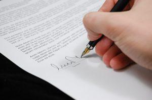 La Requalification Du Bail Derogatoire En Bail Commercial